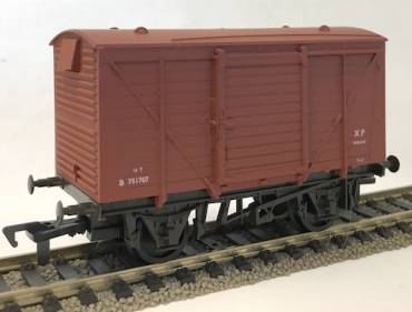Airfix 12 ton ventilated side